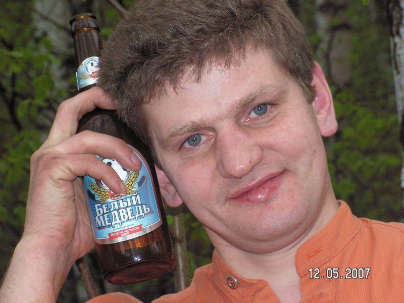 Младшенький, безалкогольное пиво - первый шаг к ...